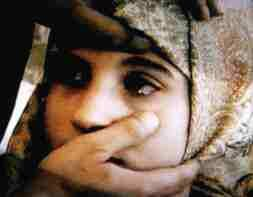 12-vuotias libanonilainen Hasnah Meselmani itki kristalleja