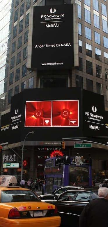 Uutinen NASAn kuvaamasta enkelistä oli USA:ssa nähtävissä Times squarellakin