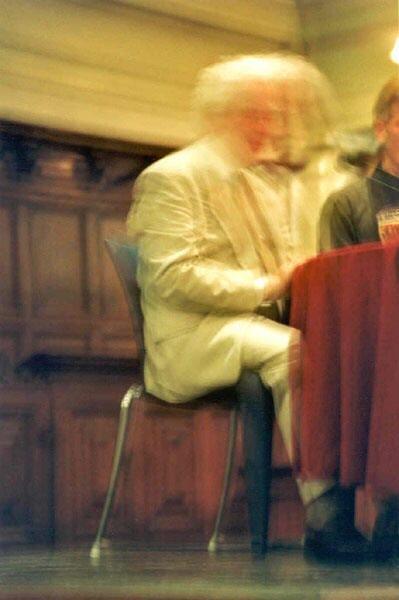 Ylivalaisu kuvattiin Amsterdamissa 2001