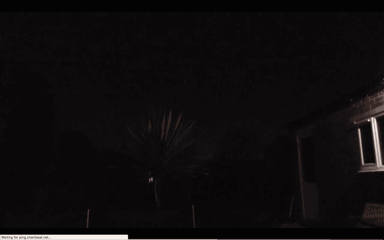 Maaliskuun 12. päivän iltana 2017 Rob Wheatman kuvasi hohtavan, värikkään, muotoaanmuuttavan, tähdenkaltaisen objektin Gloucesterin yläpuolella, Iso-Britanniassa